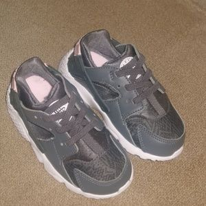 Nike Huarache Run Toddler Girls Sneakers 8c NEW
